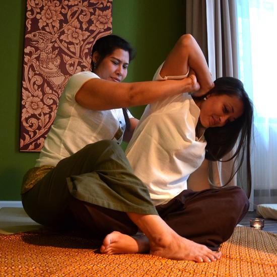 lovgivningsmæssige bum Thai massage hammel